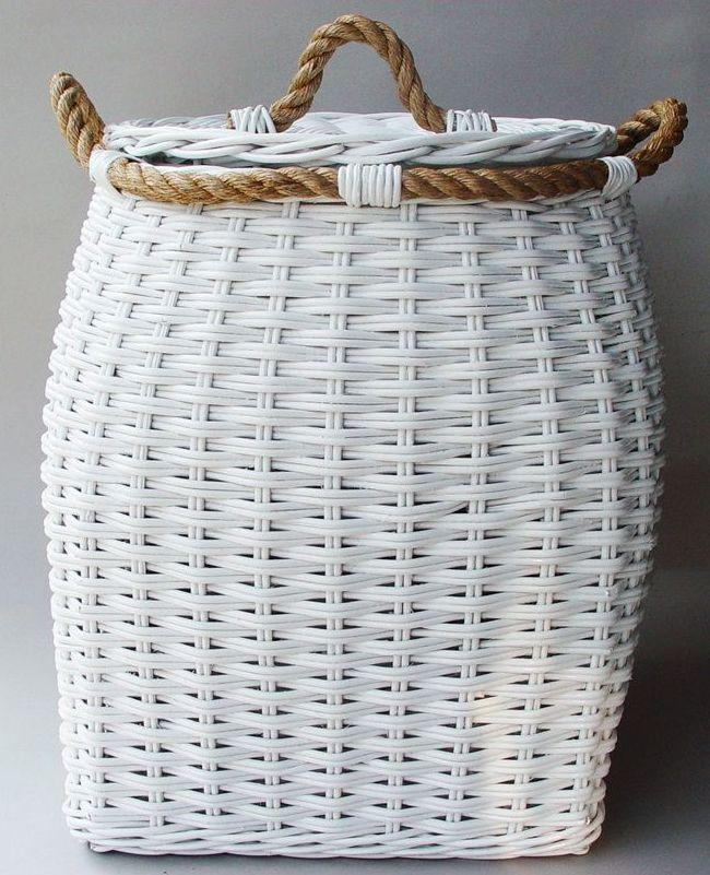 Bílý ratanový prádelní koš BELLY vysoký víko